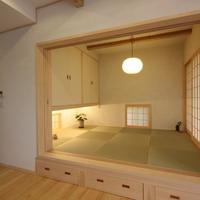 モダン和室と畳下収納スペース