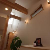 ベランダからの採光が部屋を柔らかく包み込みます。