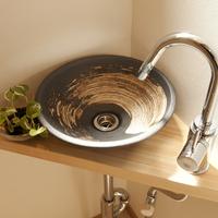 陶器製のベッセル式手洗い