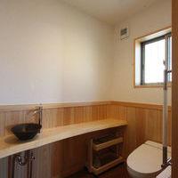 陶器製のベッセル式手洗いボール・手造りの手洗い天板と小物入